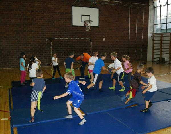 balonko-igranje-sport-djeca-3-do-11-godina